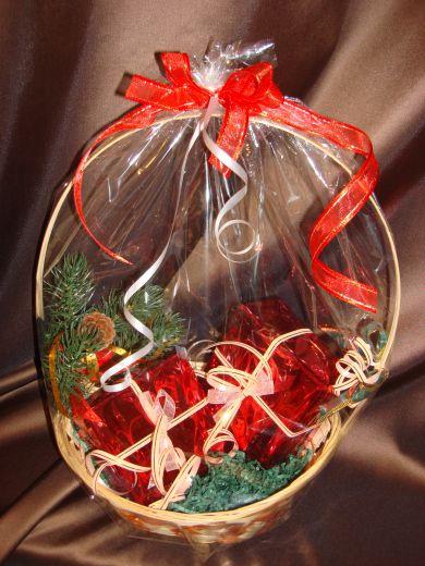 Новогодняя корзина с подарками - подарочный набор № 6